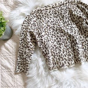 Forever 21 Sweaters - Forever 21 Cheetah Print Cropped Cardigan   M